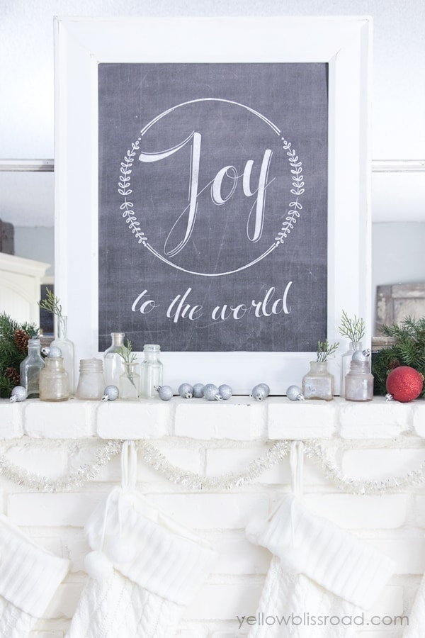christmas mantel with free printable 2